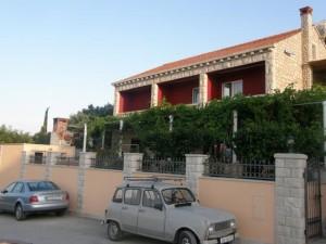 Apartments Nikša & Kristina Cebalo